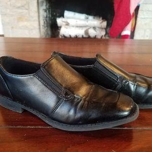 Boy's Sonoma black dress shoes size 3